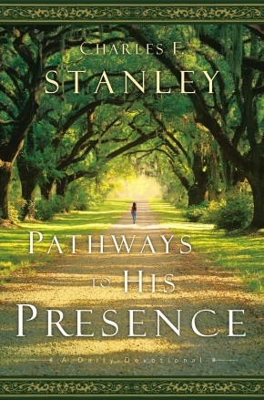 Pathways to His Presence: A Daily Devotional *Scratch & Dent*